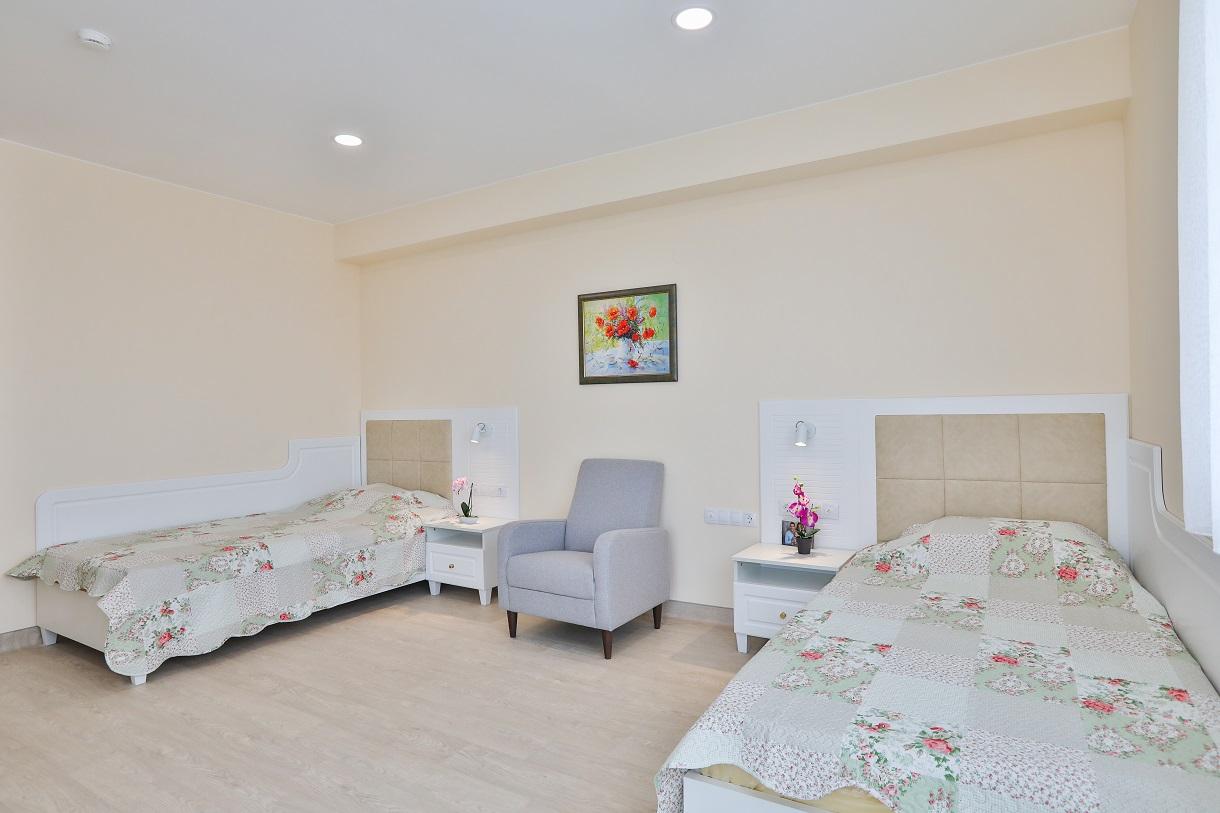 Двойна стая в дом за стари хора